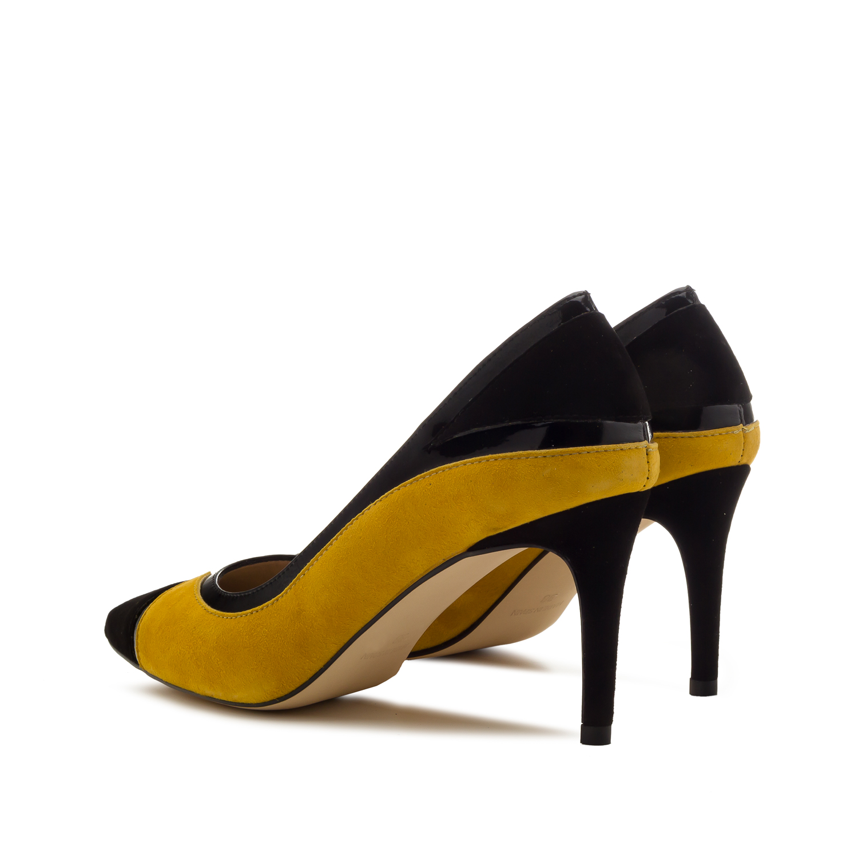 Sinepi värvi seemisnahast kingad