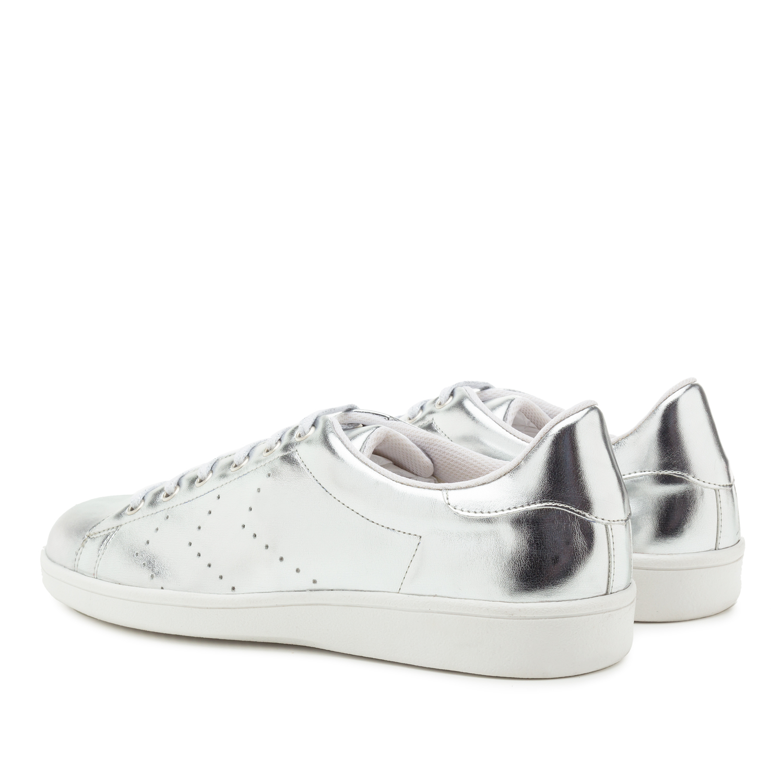 Dámské tenisky, barva stříbrná.