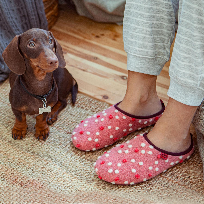 Zapatillas en Lana Rosa con Puntos