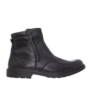 Pánská kožená kotníčková obuv. Barva černá.