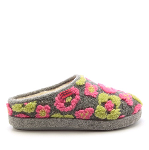 Módní květinové bačkory- pantofle Alpino. Materiál jemná plsť.