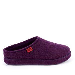 Módní fialové bačkory- pantofle. Materiál jemná plsť.