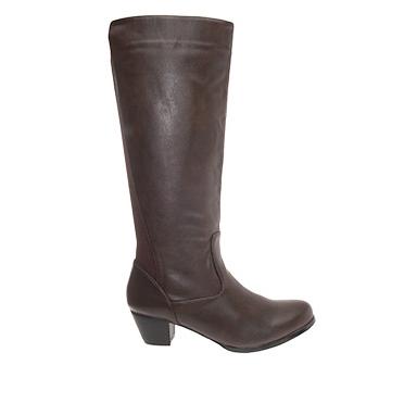 Damenstiefel aus braunem Kunstleder mit elastischem Einsatz auf der Rückseite. Dadurch passt sich der Stiefel besonders an kräftige Waden an! Seitlicher 3/4 Reißverschluss.