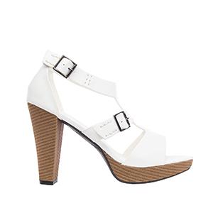 T-bar sandále na podpatku s prošíváním. Bílé.