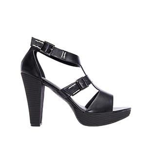 T-bar sandále na podpatku s prošíváním. Černé.