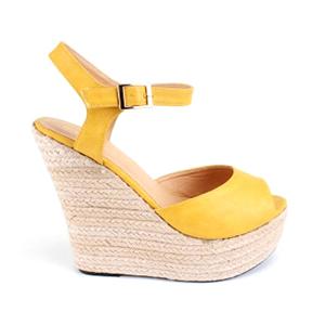 Sandalia en Soft Amarillo y Cuña de Yute